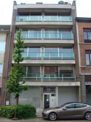 Ruim gerenoveerd appartement met 3 slpkr – centrum Lier