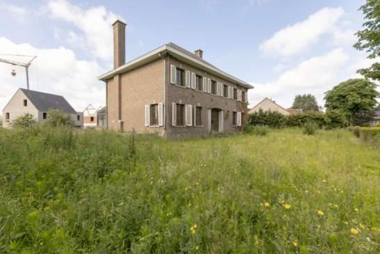 Verder af te werken ruwbouw (vroegere dokterswoning) op 1254m² – Nijlen