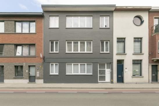 Volledig gerenoveerd appartement met 2 slpkr + ruim terras – nabij centrum