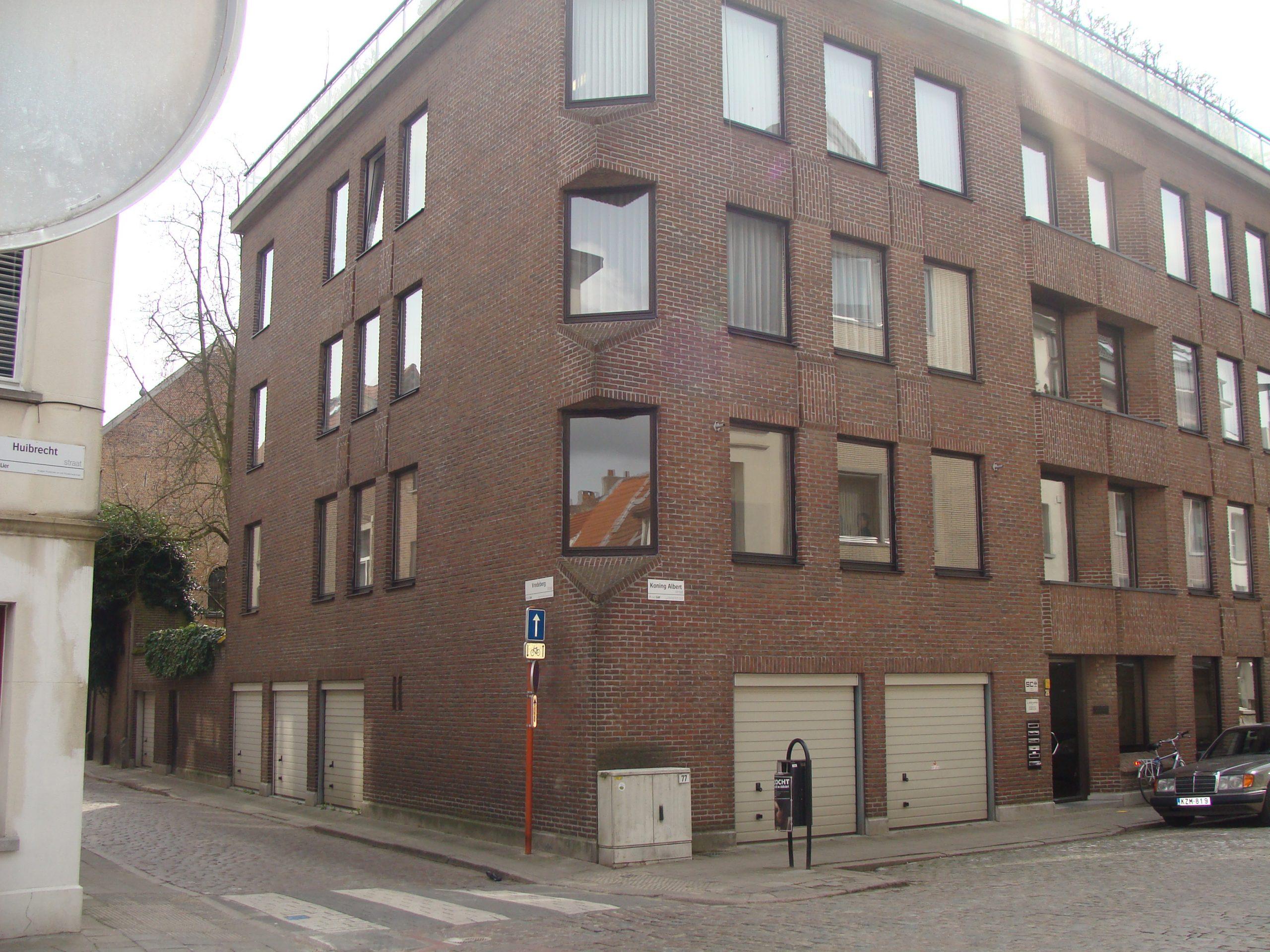 Appartement met 3 slpkr + terras + inpandige autostpl in hartje centrum Lier.