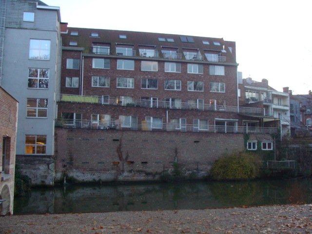Gerenoveerd duplex appartement met terras – Mechelen