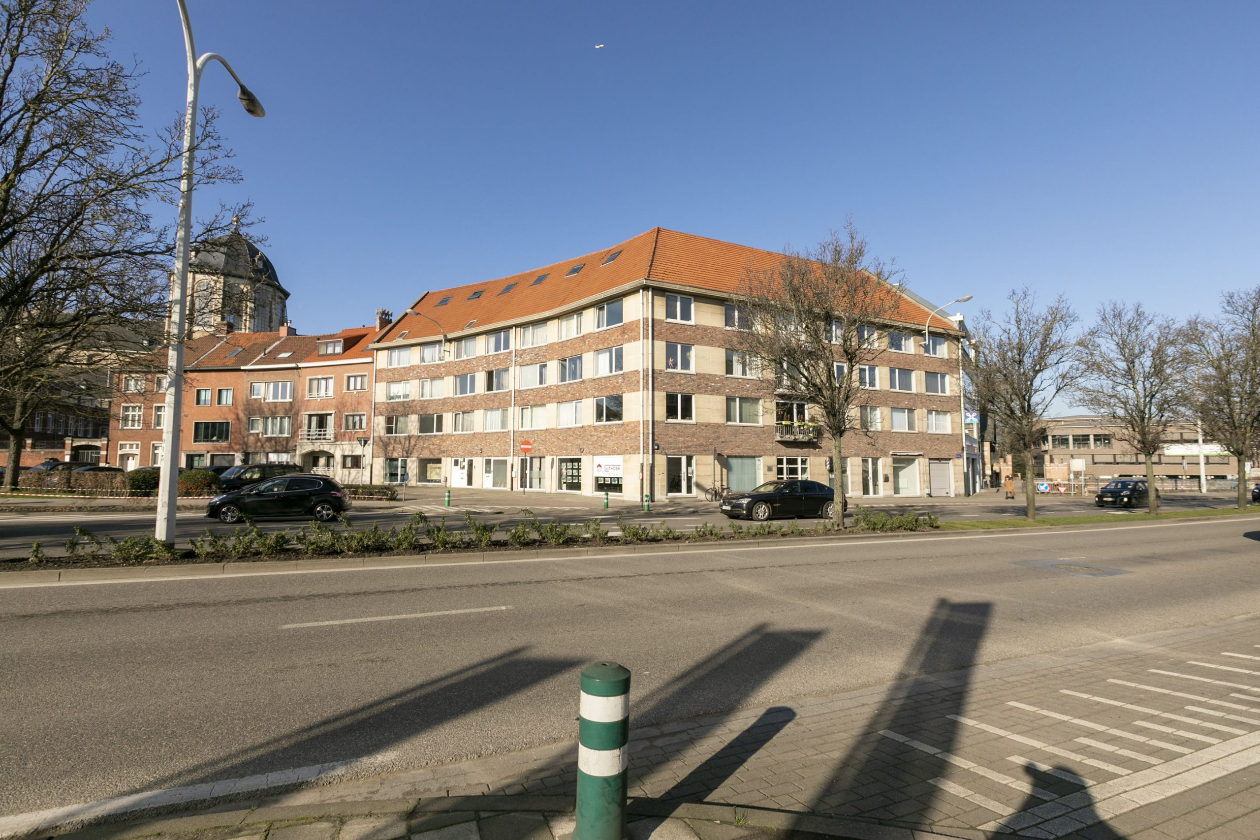 Gemeubelde studio met terras – Mechelen.