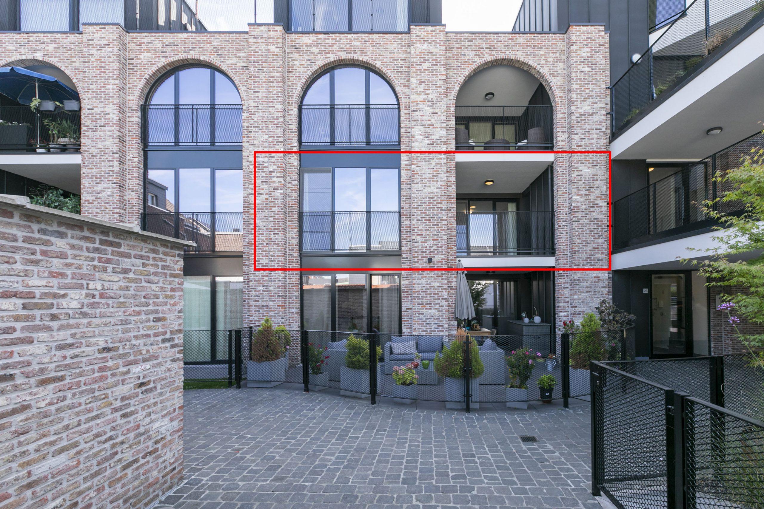 Modern 1 slaapkamer appartement met terras, kelderberging + autostpl.